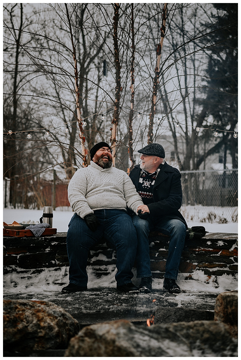 snowy-engagement-session-1
