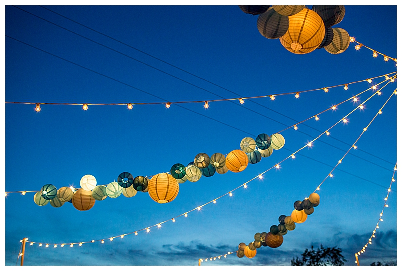 carnival-themed-wedding-decor-with-lanterns