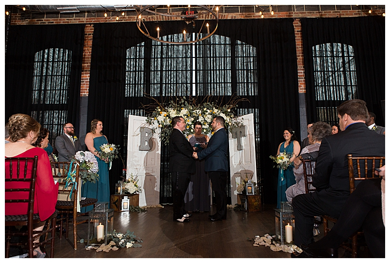 Rustic Wedding Ceremony in Columbus Ohio