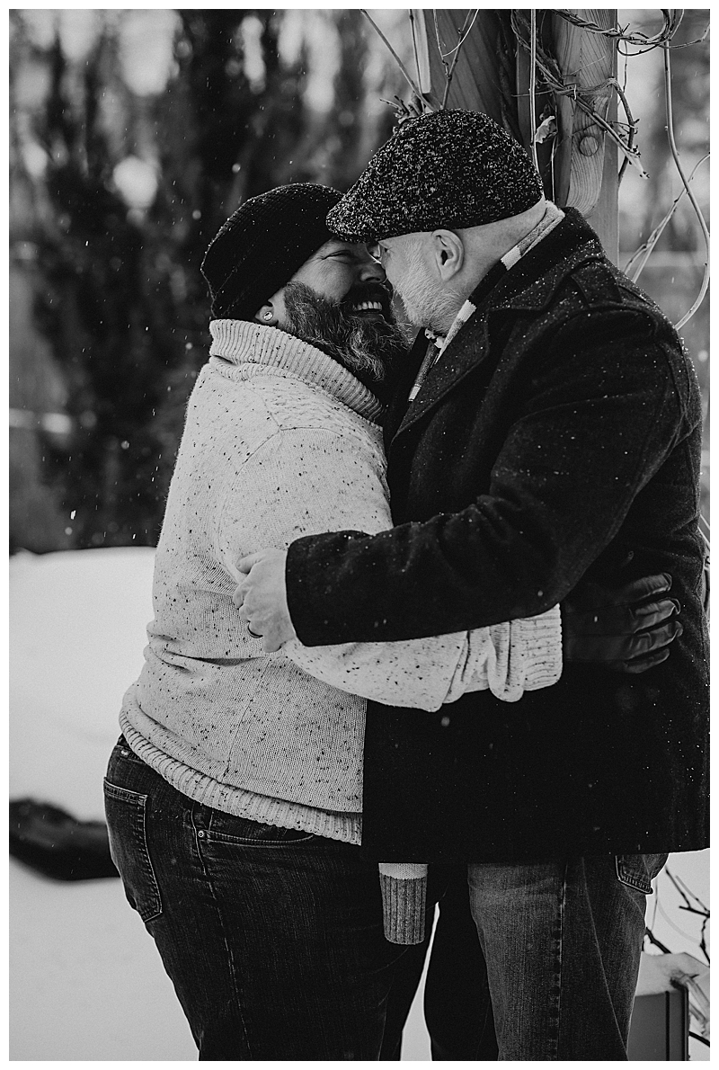 snowy-engagement-session-10