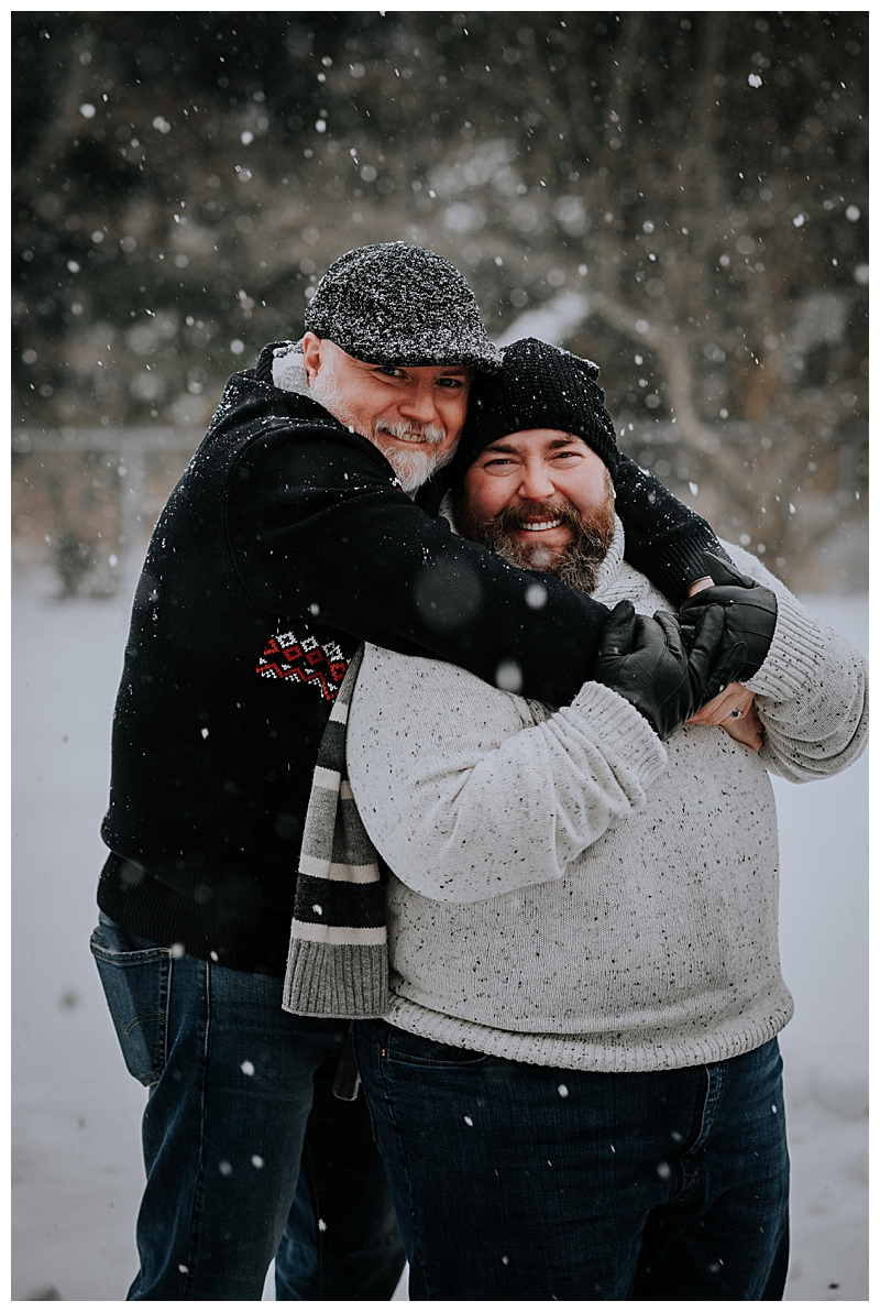 snowy-engagement-session-3