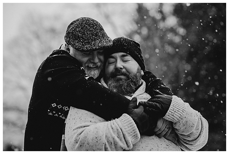 snowy-engagement-session-8