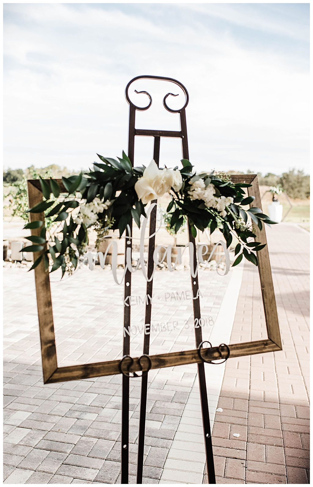 calligraphy-signage-botanical-wedding