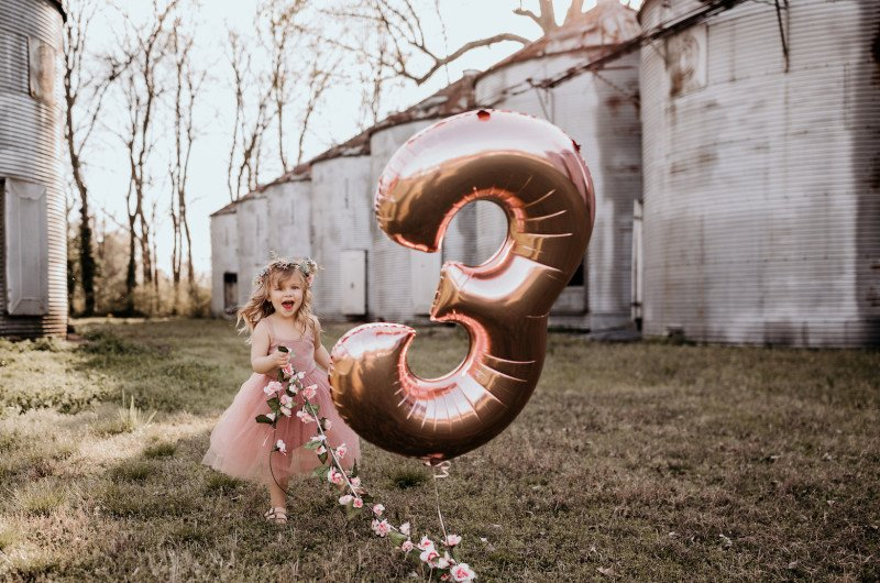 Image for An Adorable Birthday Photoshoot with Mylar Balloons, Flower Crowns and Bubbles