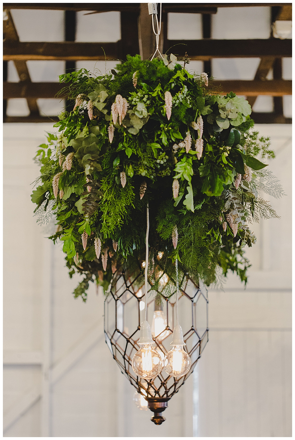 greenery-installation-wedding-decor