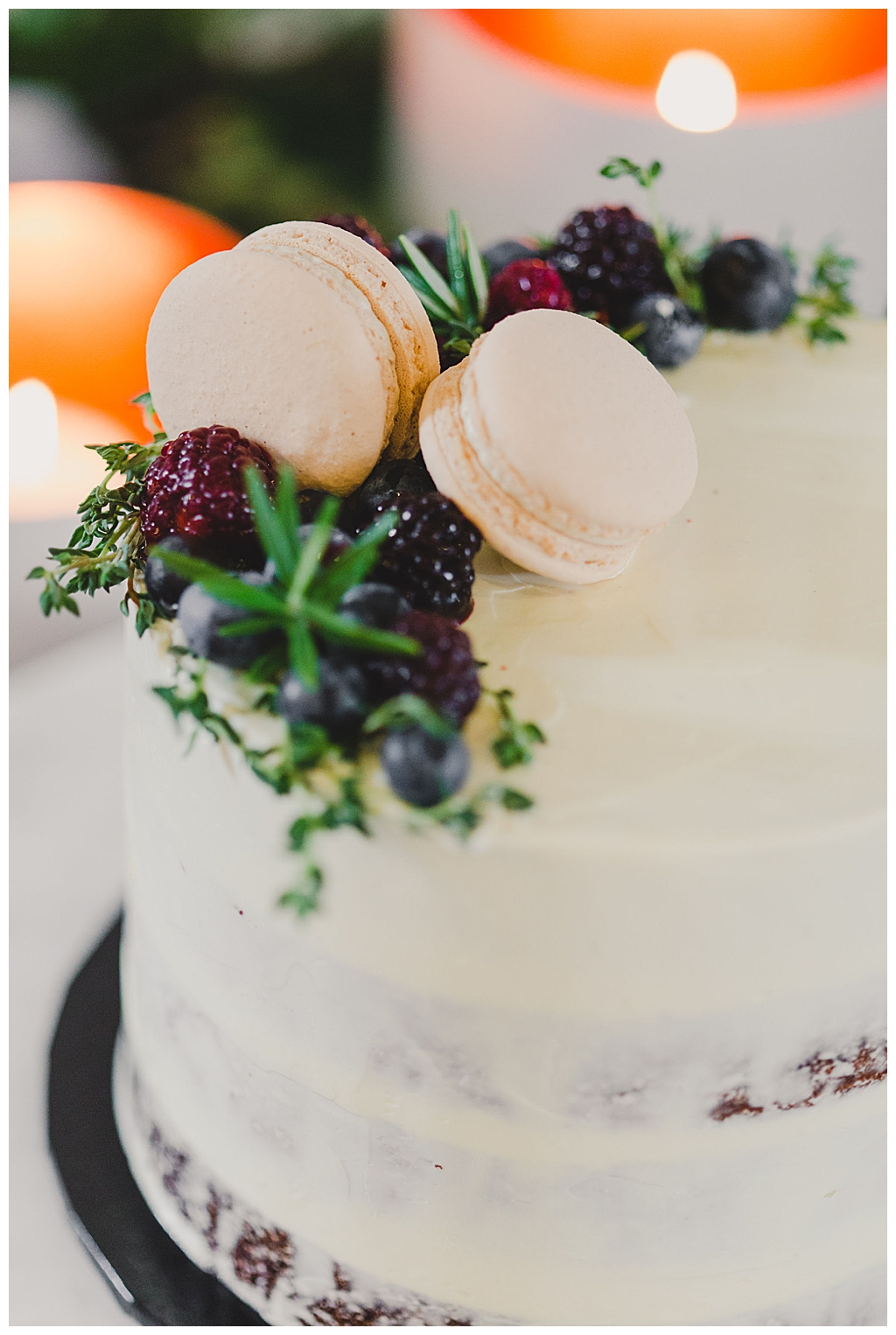 macaron-and-berry-wedding-cake