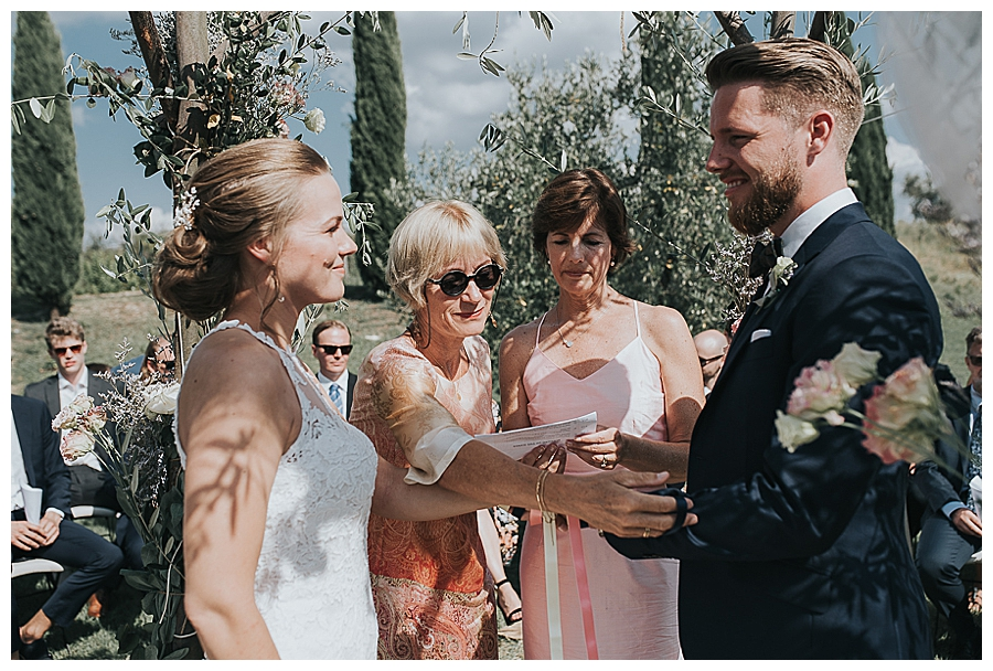 mothers-hand-fasting-ceremony