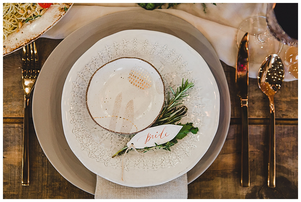 organic-wedding-inspiration-place-setting