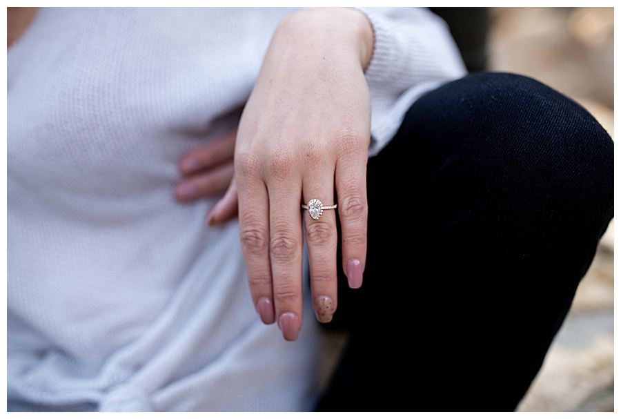 pear-shaped-engagement-ring