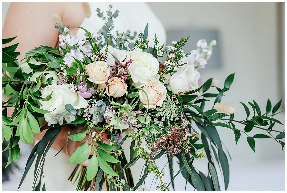 garden-inspired-bridal-bouquet