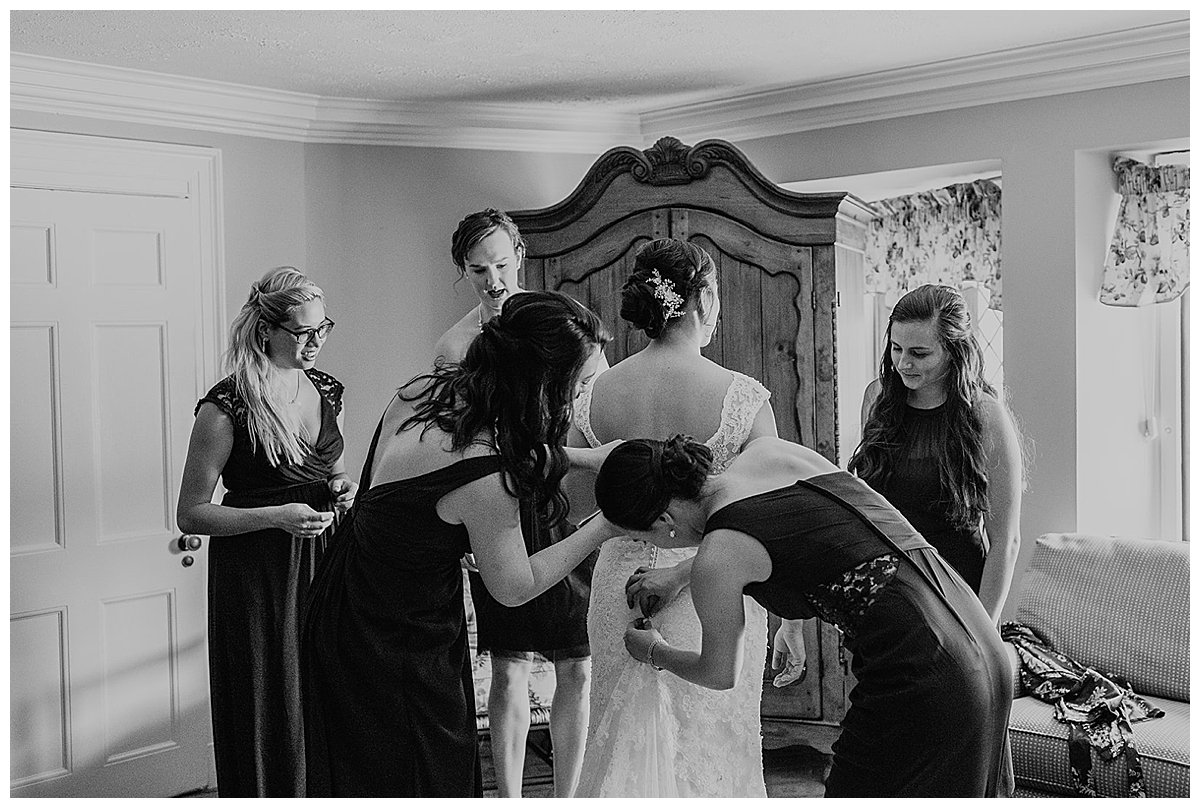 getting-ready-wedding-photography-1