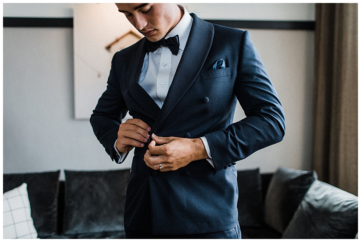 navy-fitted-suit