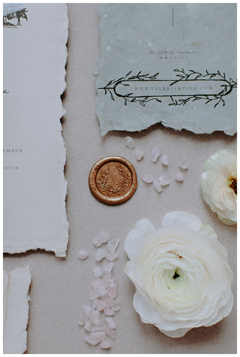 wax-seal-wedding-invitation