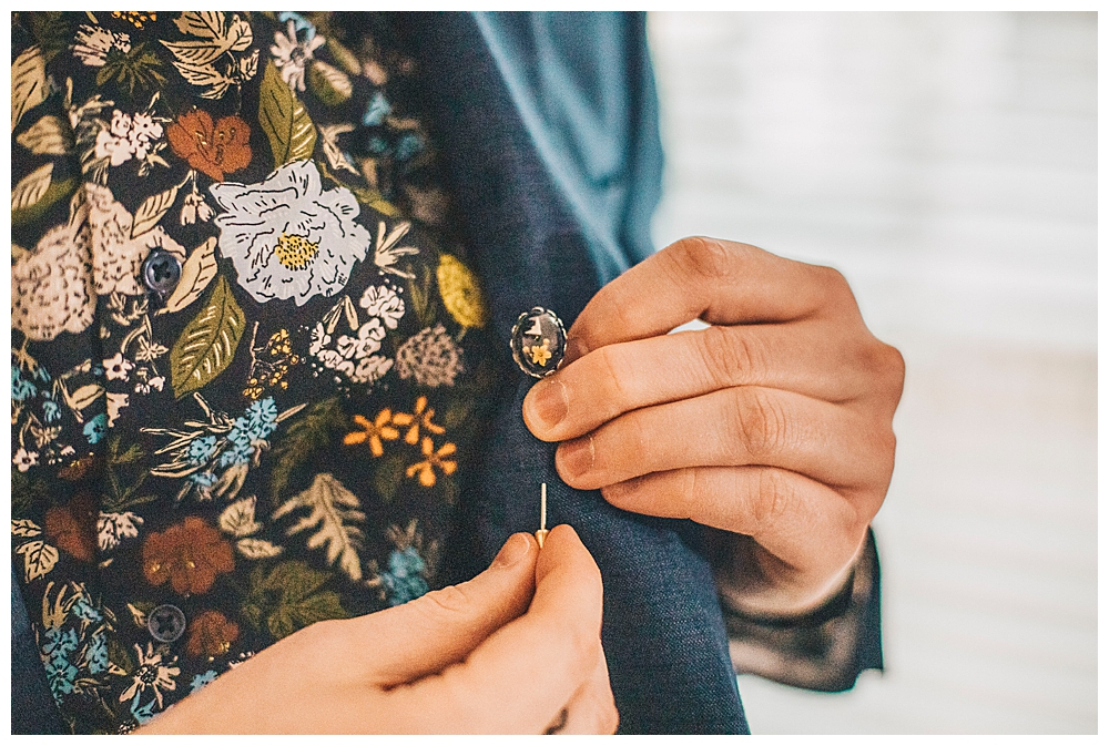 suit-accessory-detail-shot-wedding-photography