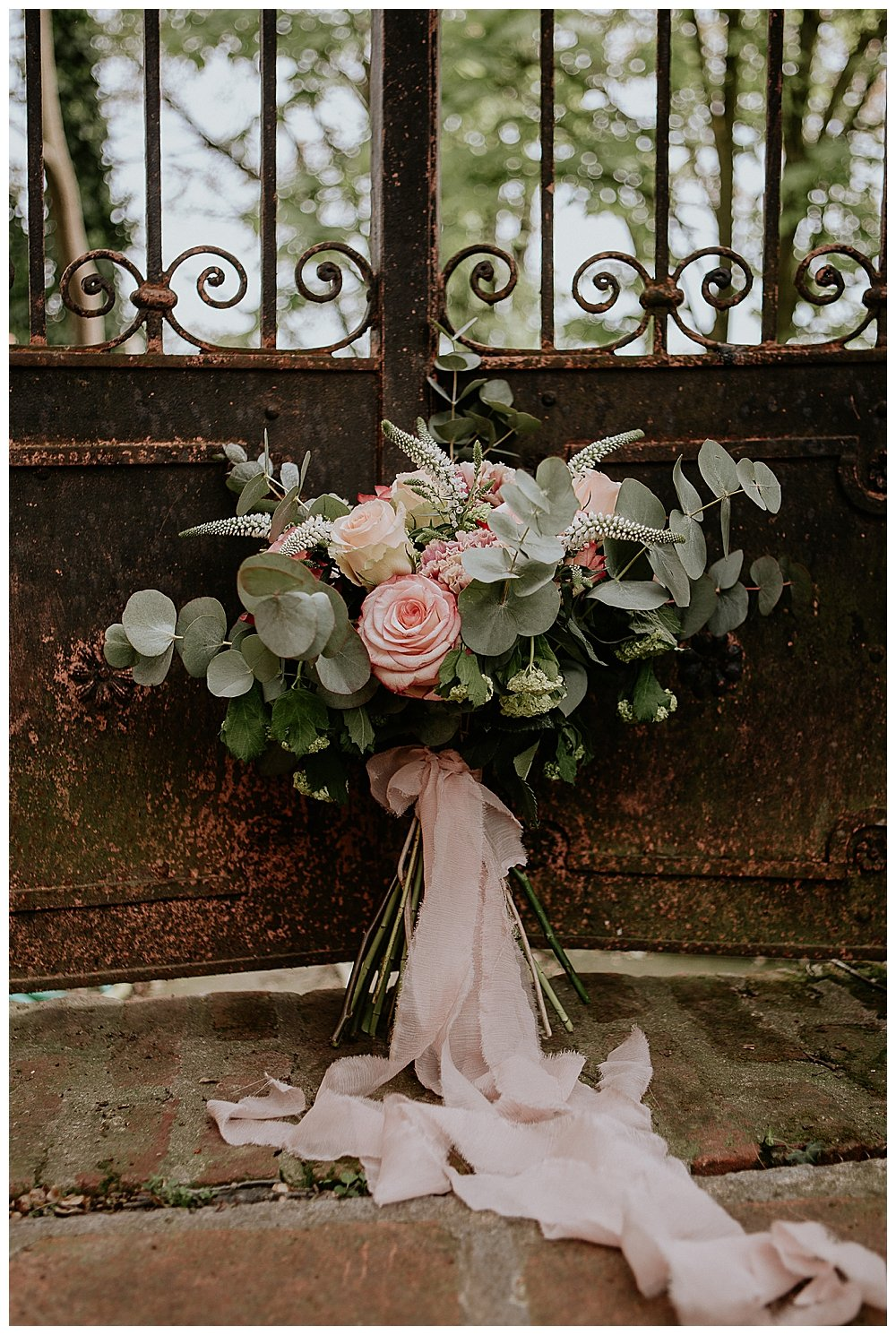 wedding-bouquet-with-eucalyptus-and-roses