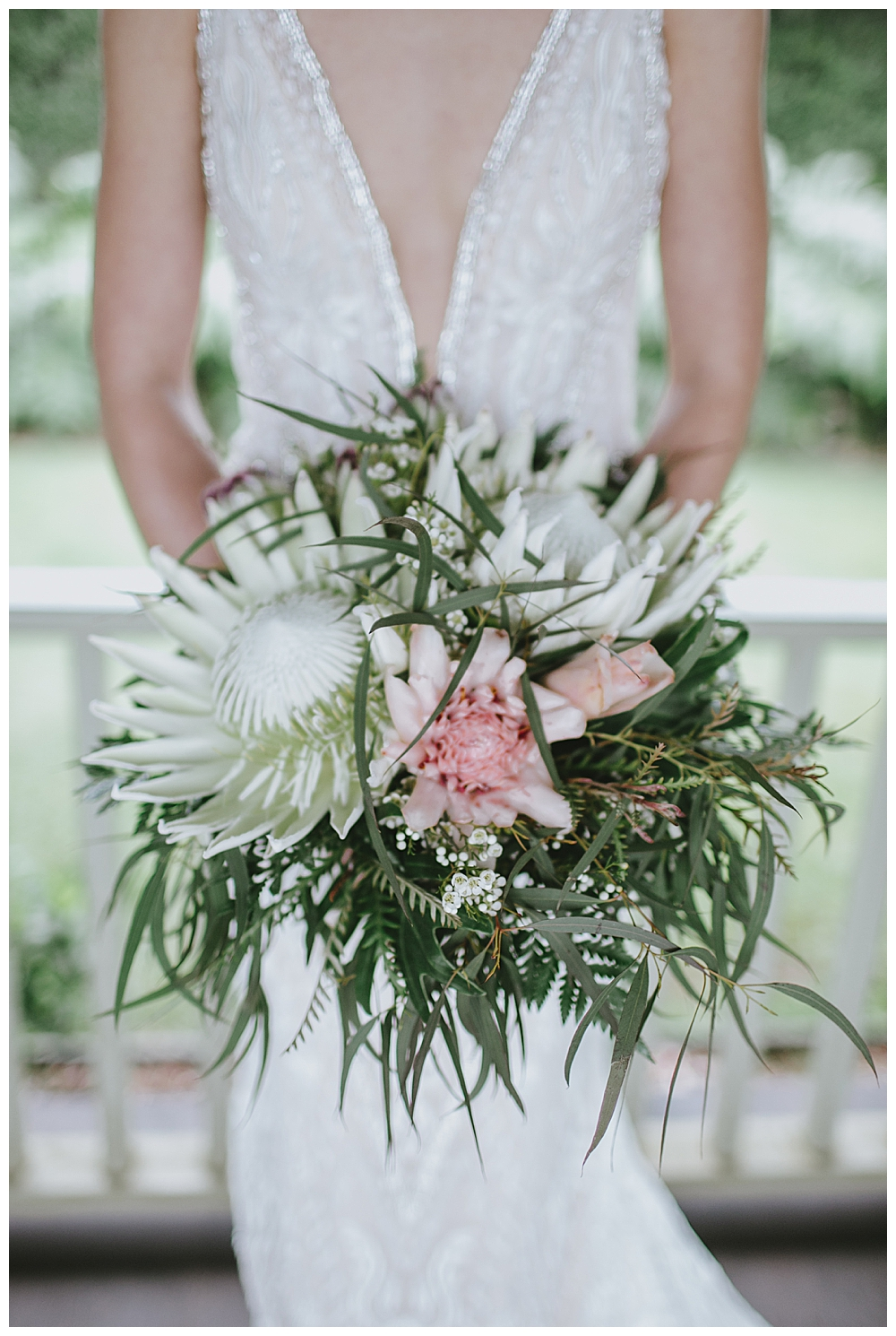 bridal-bouquet-with-protea