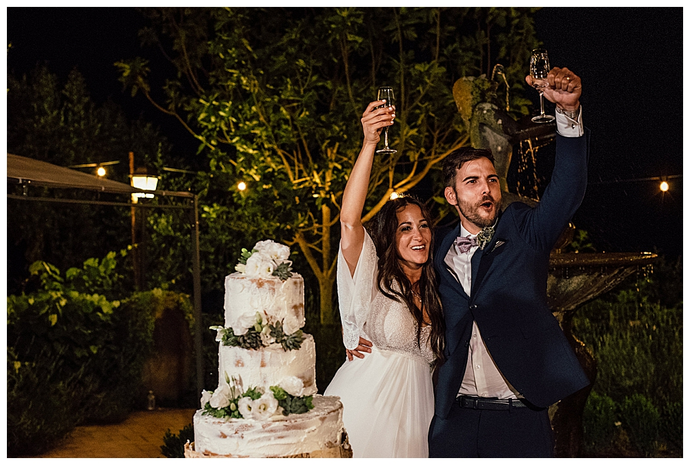bride-and-groom-wedding-toast-photography