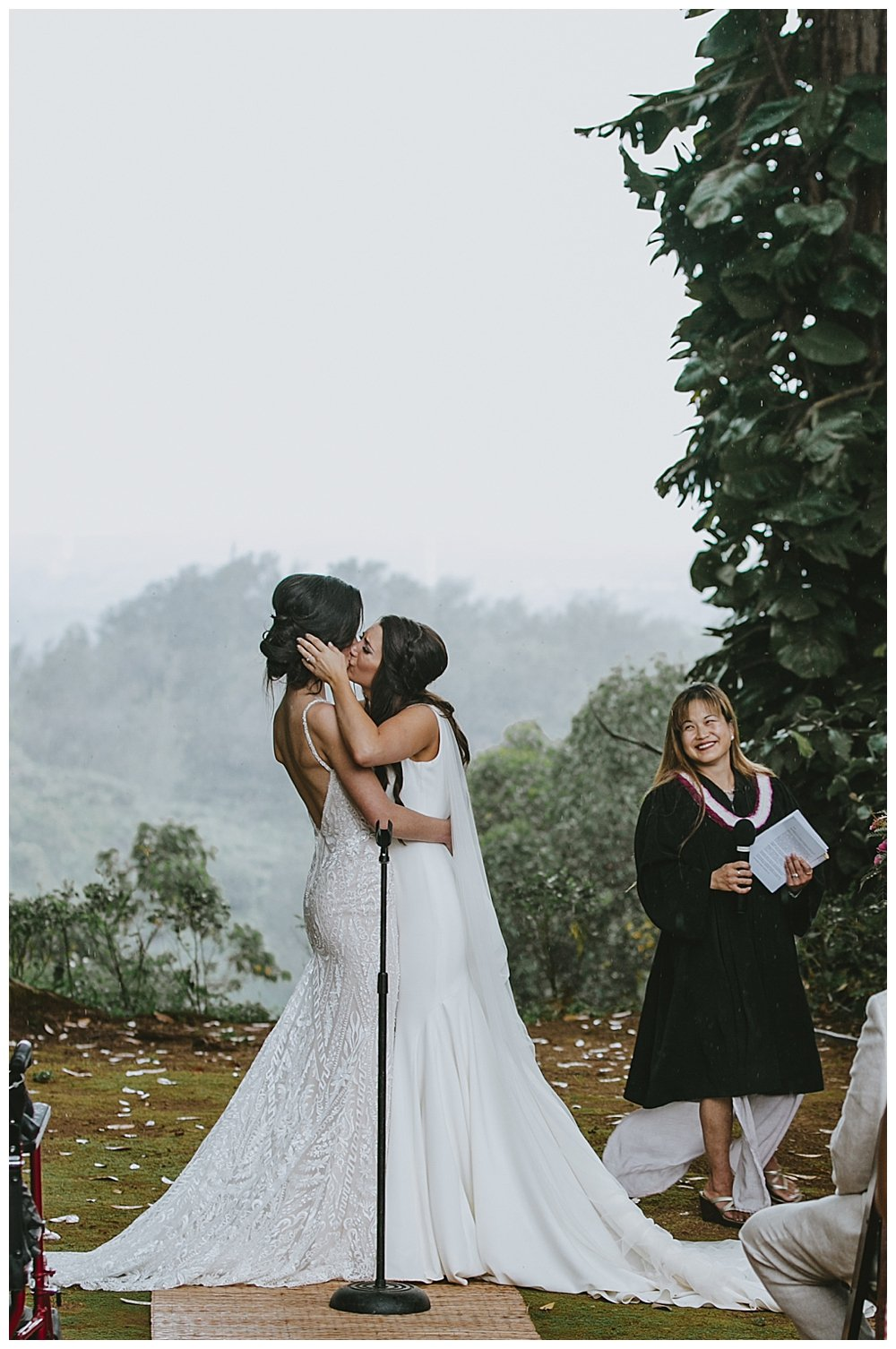 brides-kiss-wedding-ceremony