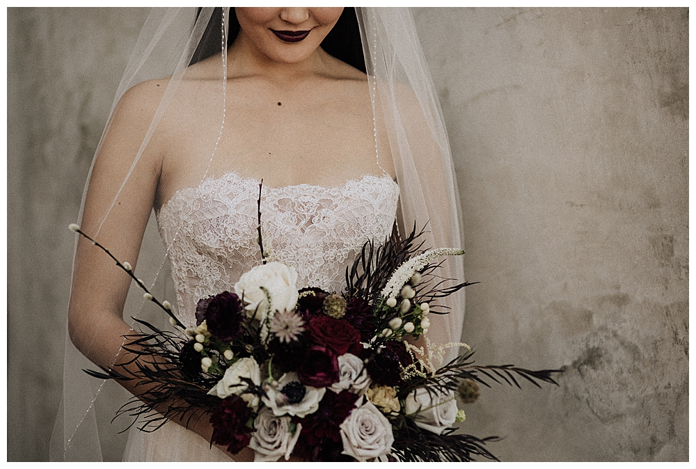 moody-bridal-bouquet