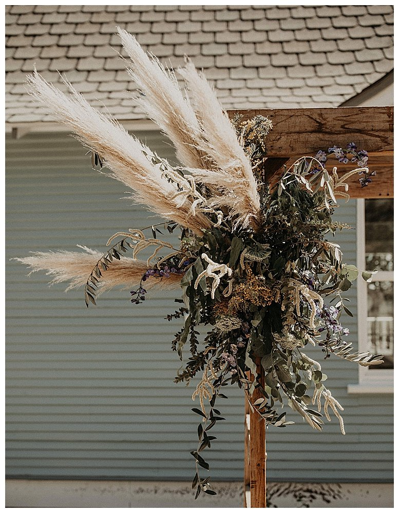 pampas-grass-wedding-flowers