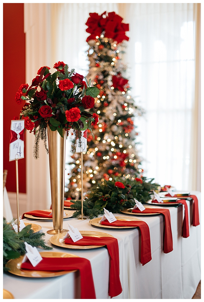 red-and-white-christmas-wedding