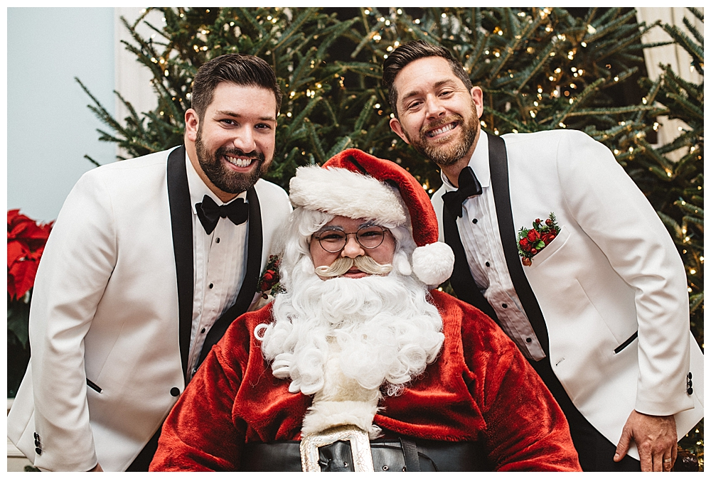 santa-with-grooms