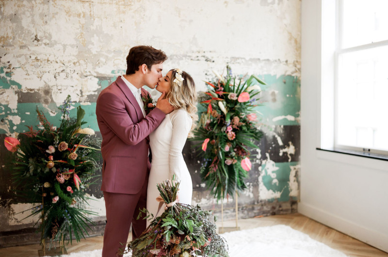 Image for Retro Glam and Modern Vibe Perfectly in this Pittsburgh Wedding Shoot