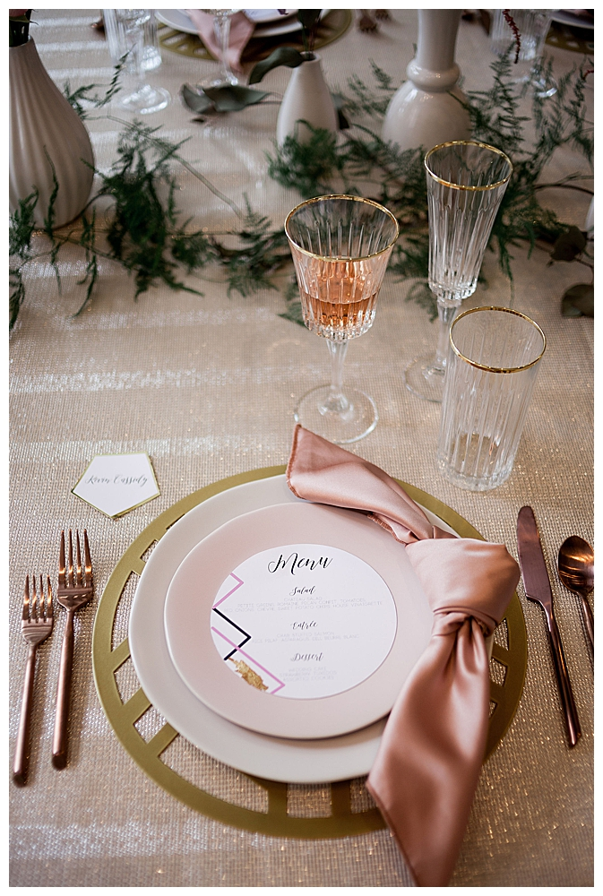 mauve-and-gold-wedding-place-settings