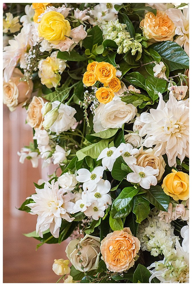 yellow-and-white-wedding-flowers