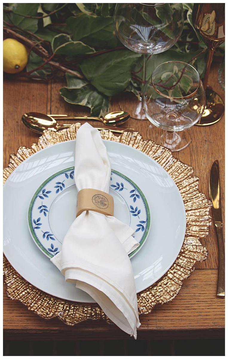 gold-place-setting-wedding-tablescape
