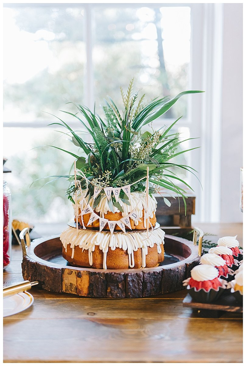 nothing-bundt-cakes-wedding-cake