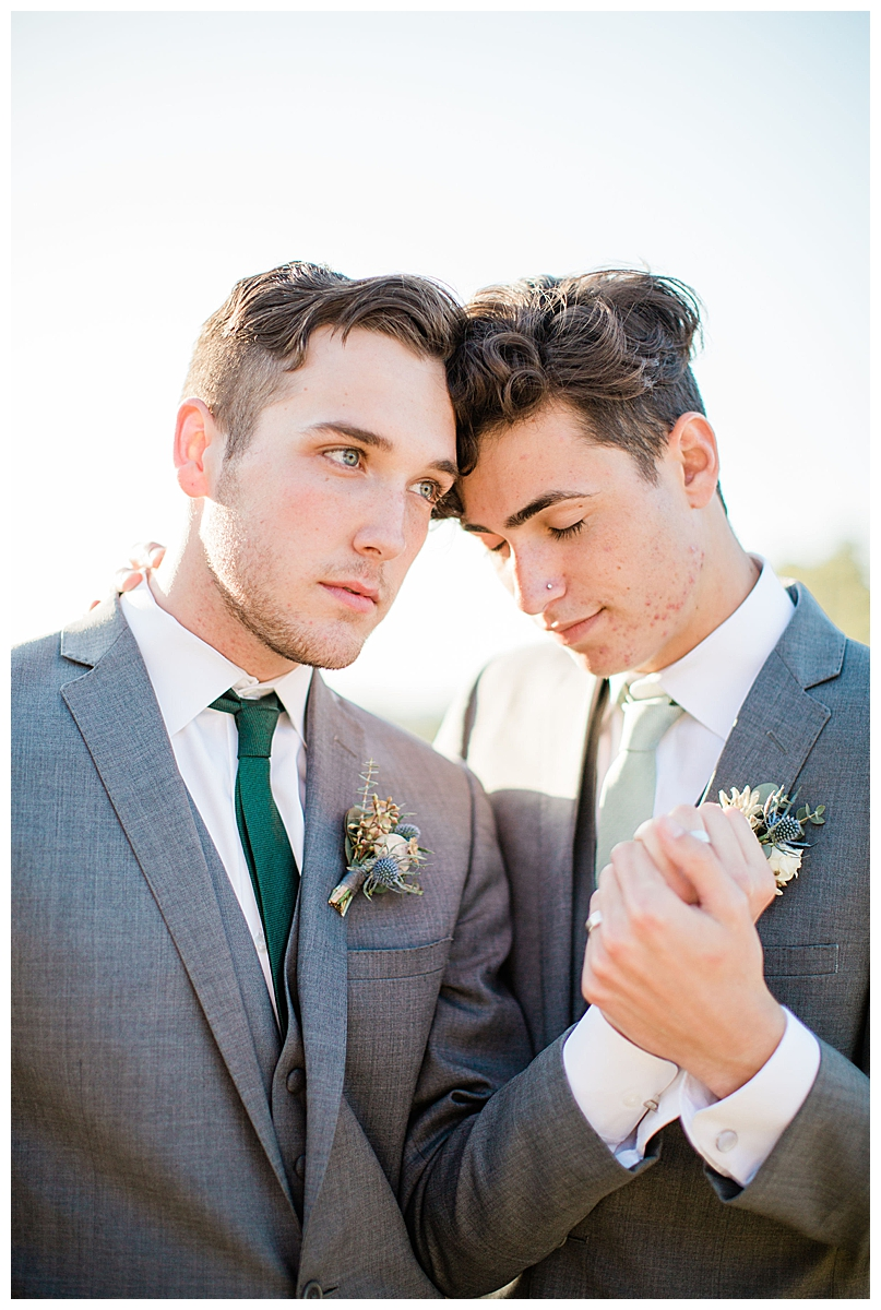 nature-inspired-gay-wedding-styled-shoot-18