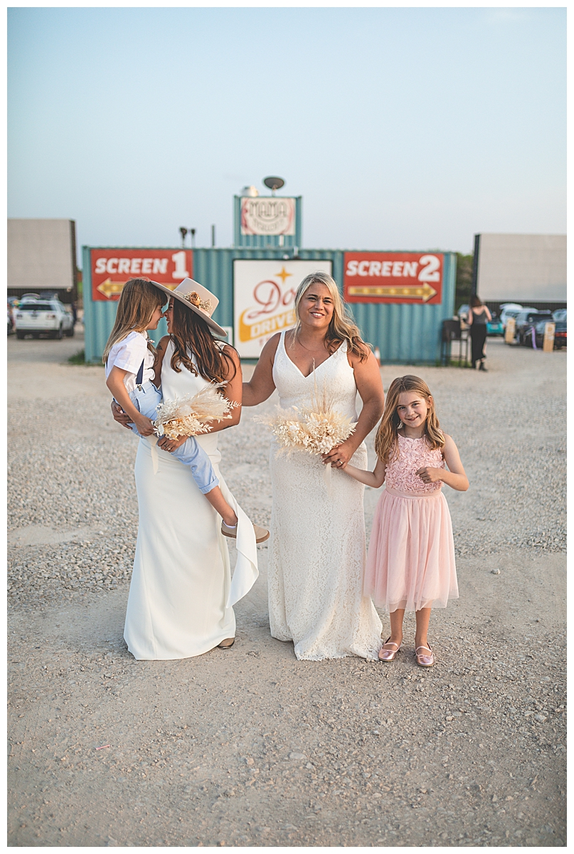 socially-distanced-drive-in-theater-wedding-15