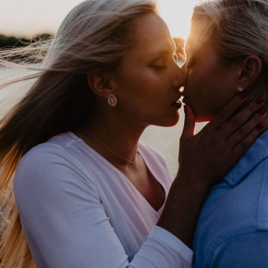 Sun Drenched Lesbian Engagement Shoot