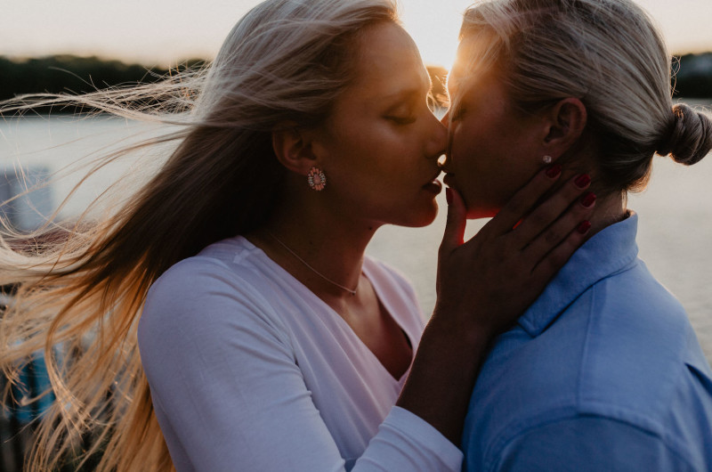 Image for Sun-Drenched Summer Engagement Shoot