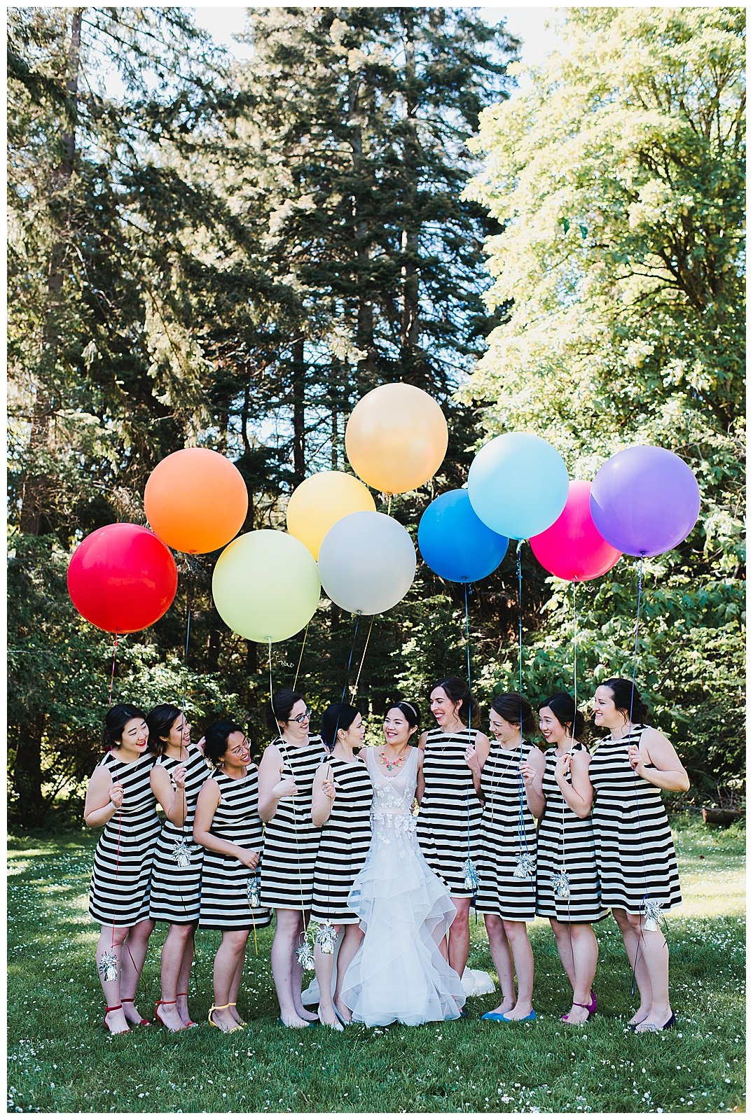 bridal-party-with-balloons