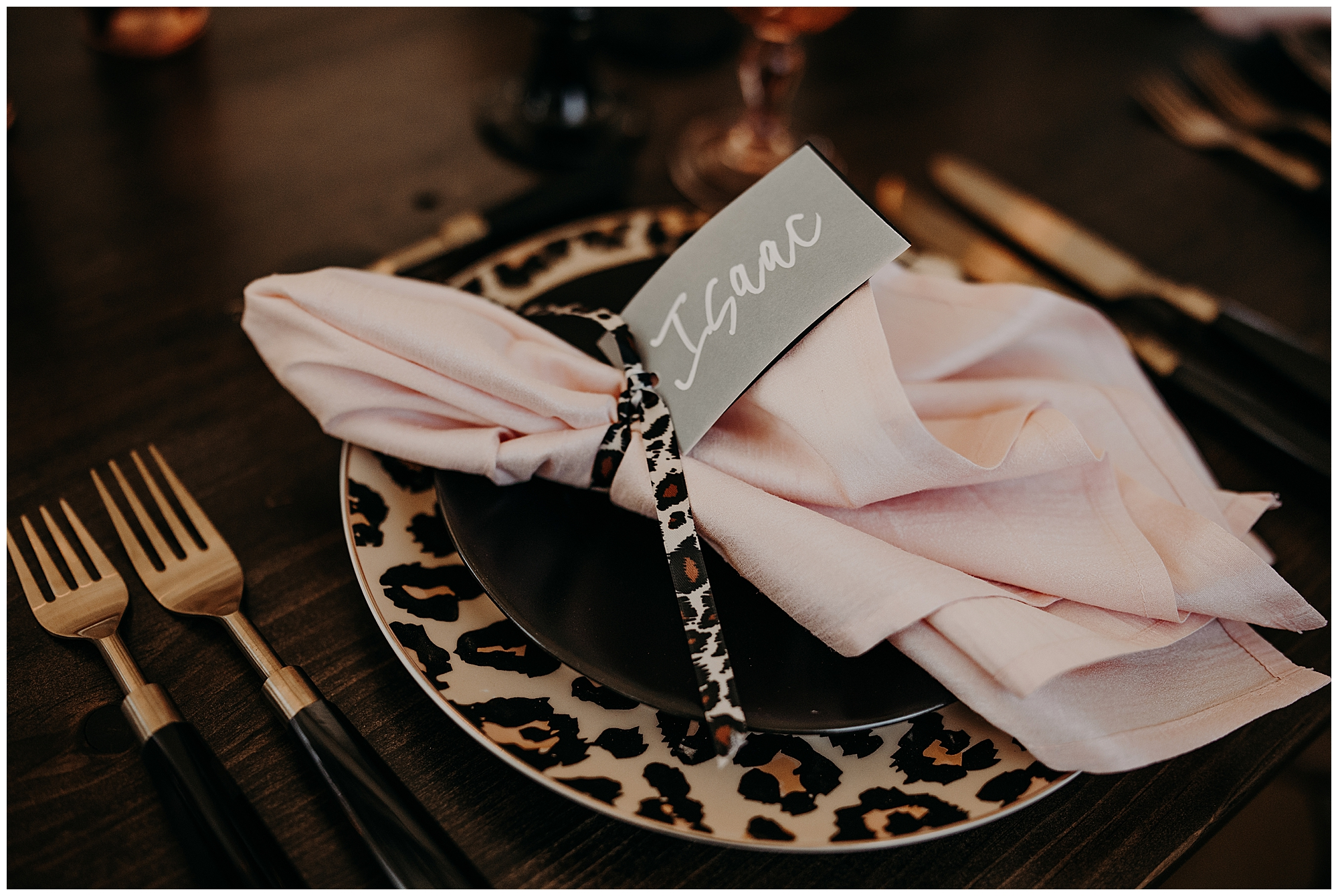 chic-and-stylish-leopard-print-wedding-6
